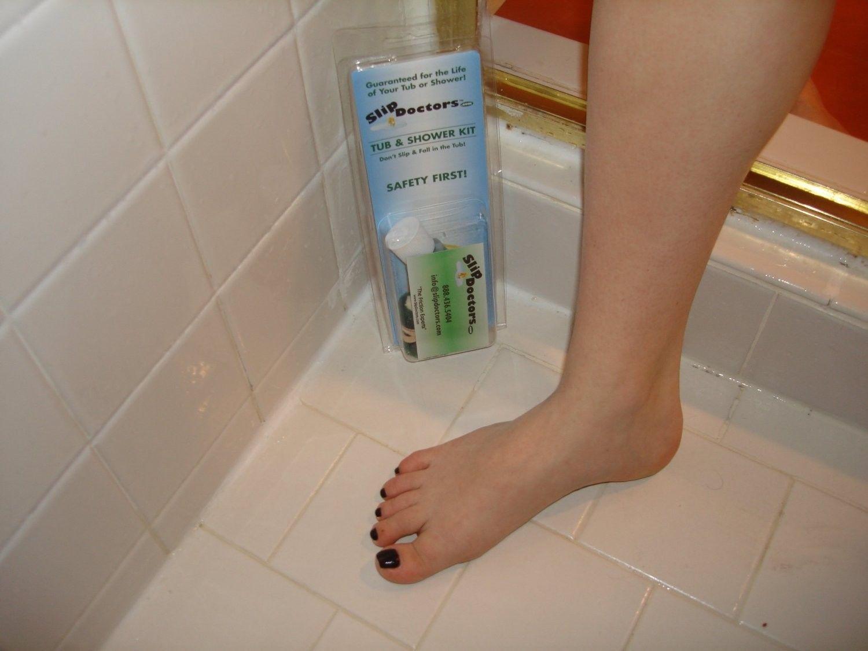 Bath Tub Kit Treatment  Non Slip Anti Skid Slippery Shower Room Tiles Floor  Grip