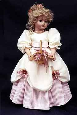 Mia's Flower Girl Doll Dress Pattern for sale (8,95$).  Will fit AG dolls.