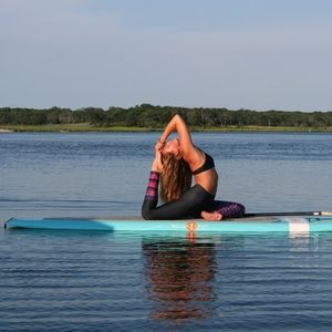 Photos Sol Sup Yoga With Images Paddle Boarding