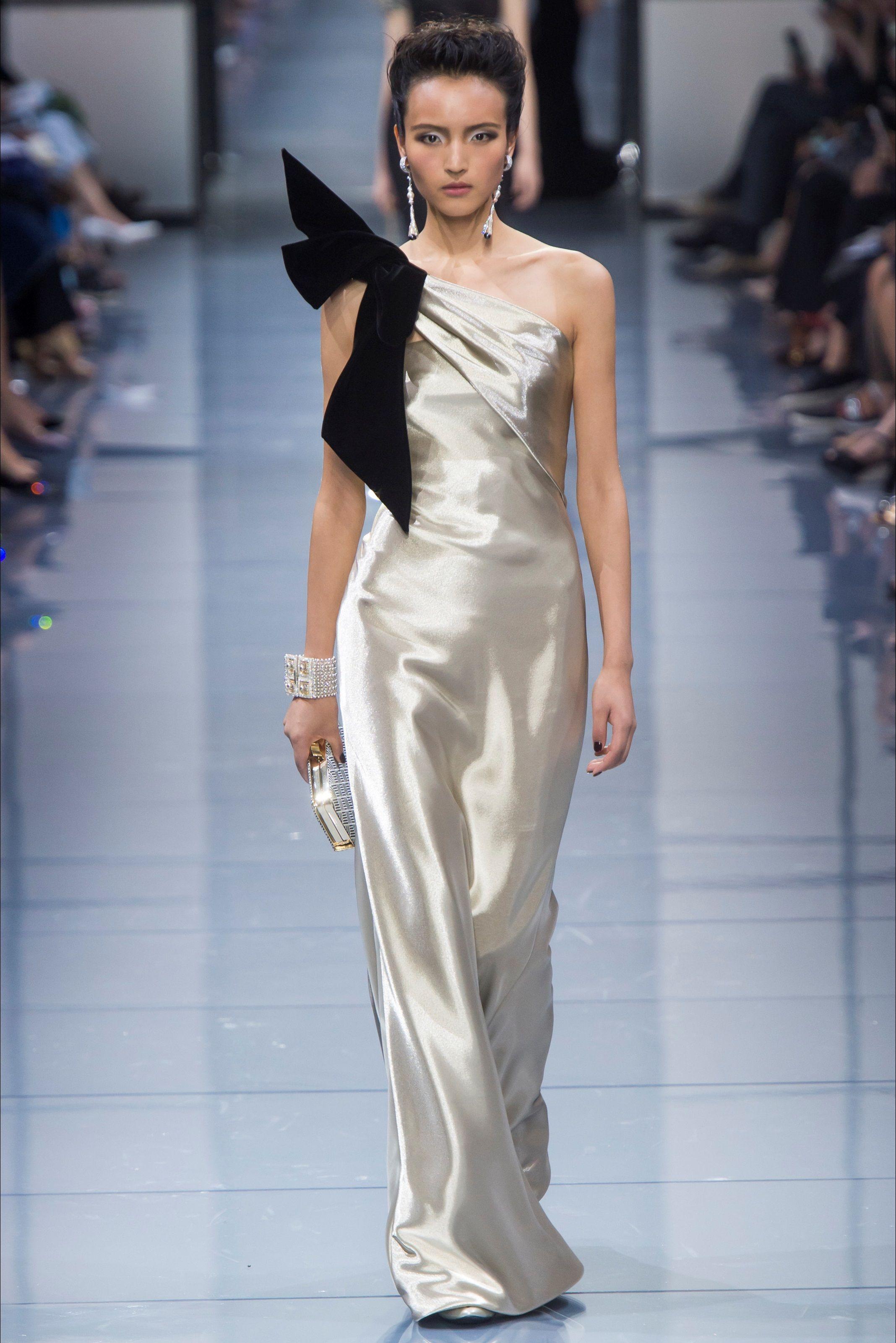 Moda Giorgio Armani Guarda Parigi La E A Scopri Privé Sfilata Di ULpjqVGzSM