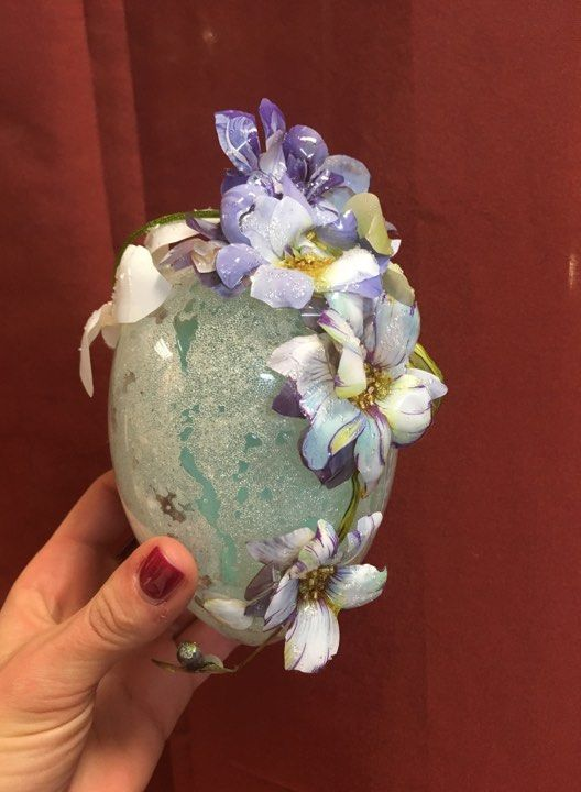 The first layer of a decoupage glass bowl. | Decoupage