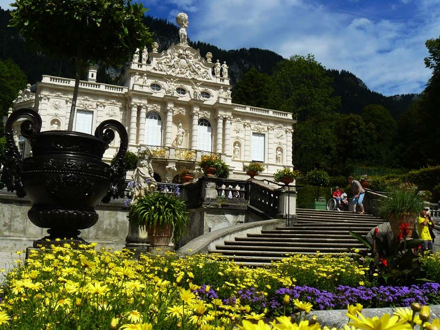 Linderhof Castle Germany Http Travellingwizards Com Destinations Countries Germany Castles Fortresses Linderhof Schloss Linderhof Schloss Linderhof