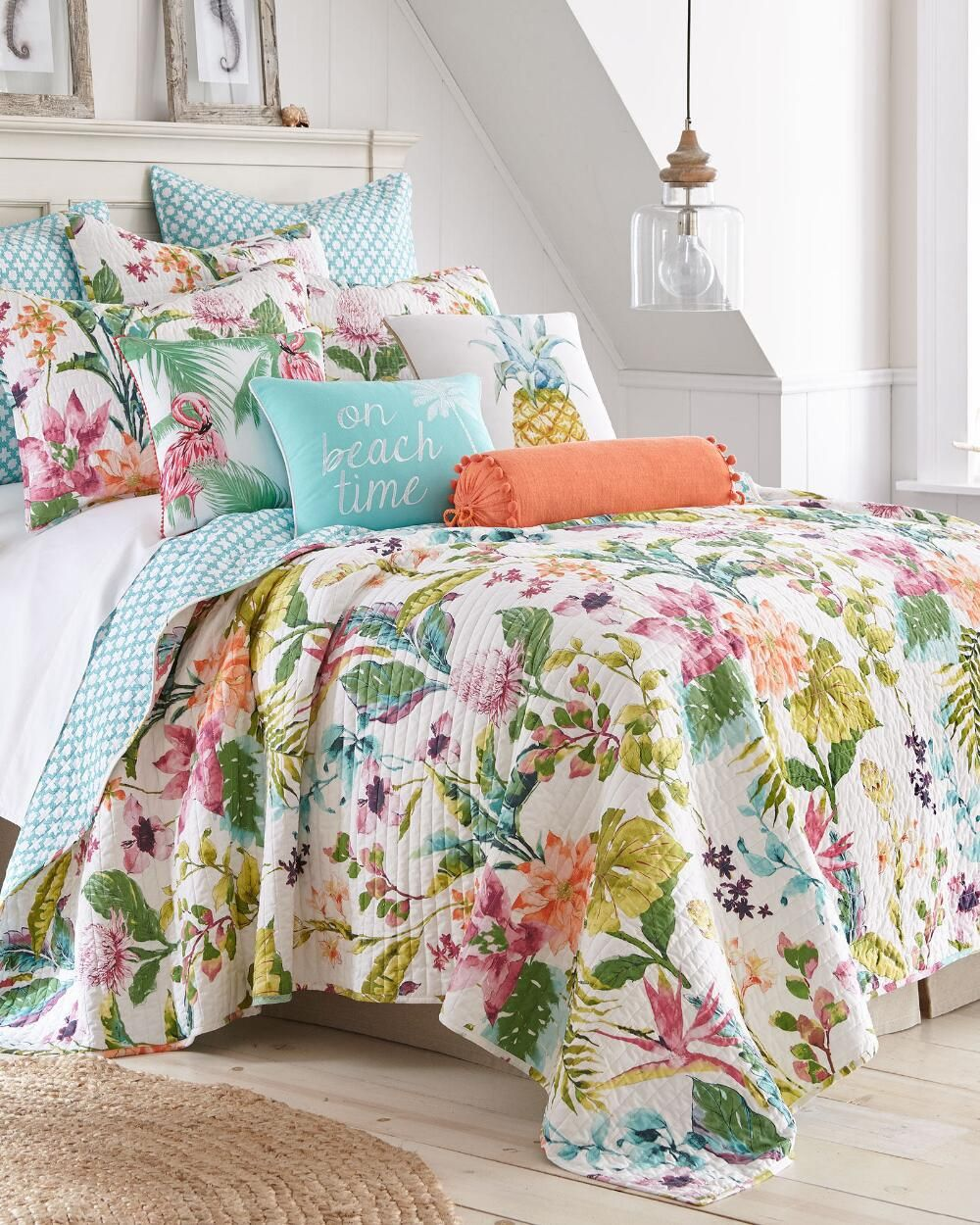 Malana Floral Print Luxury Quilt With Images Quilt Sets