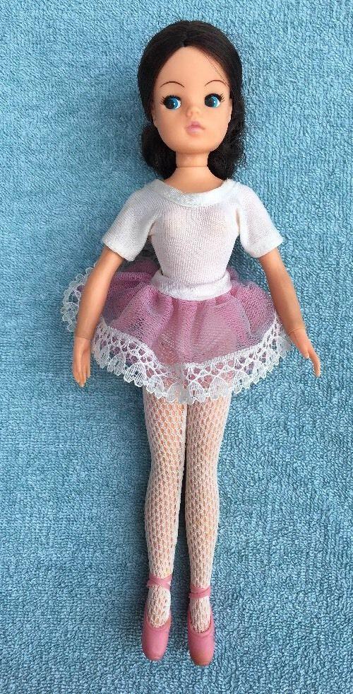 Vintage Toy-Brunette Ballerina Sindy Doll-Pedigree-Slippers-Tights-Tutu-2 Gen #Dolls