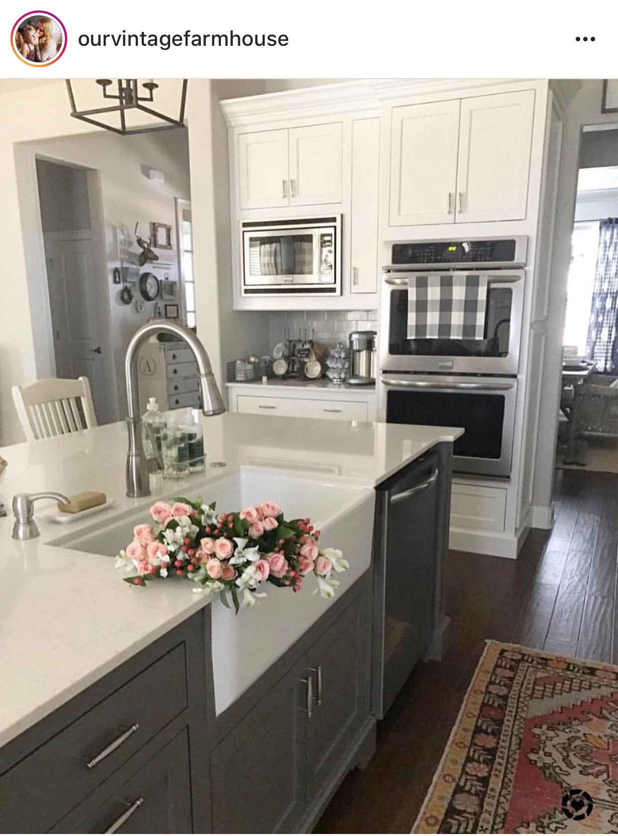 sink kitchen cabinets sm appliances pin by karla aliff on idea farmhouse traditional antique white welcome this photo gallery has pictures of kitchens featuring cream or in