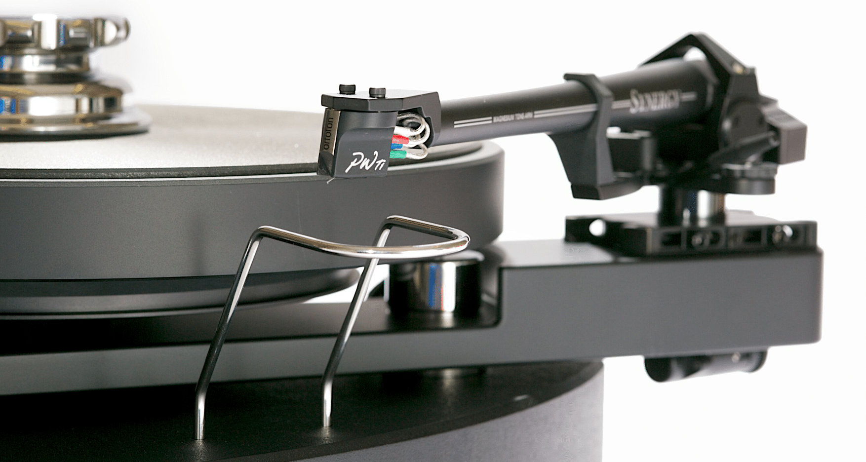 Synergy integrated turntable From SME - The Audiophile Man | Turntable,  Phono cartridge, Sme
