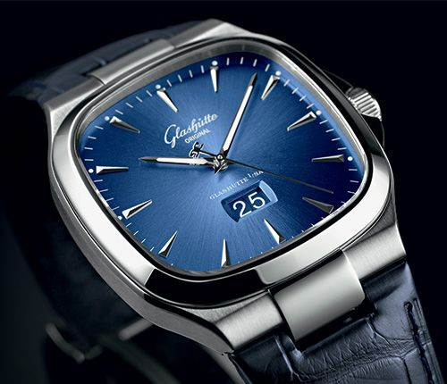 Seventies Panorama Date extends range of available bracelets Glashütte Original Seventies Panorama Date (See more at: http://watchmobile7.com/articles/glashutte-original-seventies-panorama-date) (1/4) #watches #glashütteoriginal