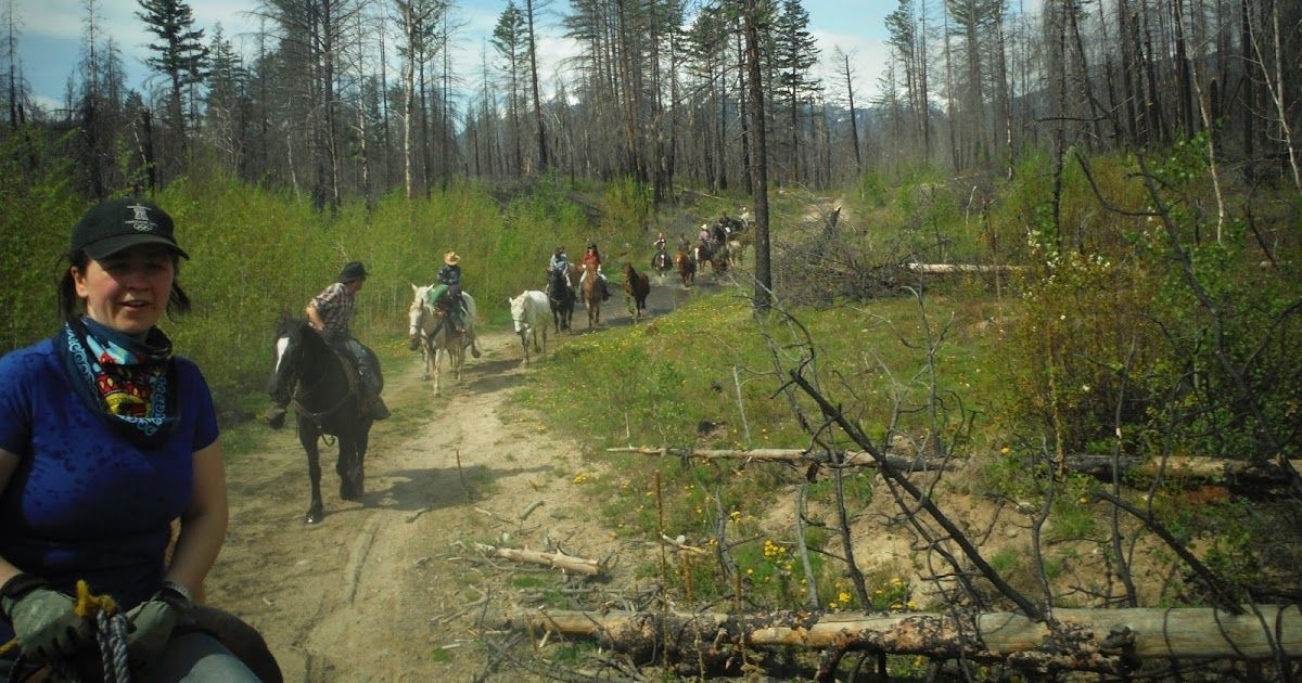 Riding the horses to Larnie camp