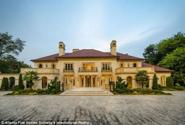 Country Cribs: Check Out These Stunning Celebrity Homes Pictures of mtv cribs houses