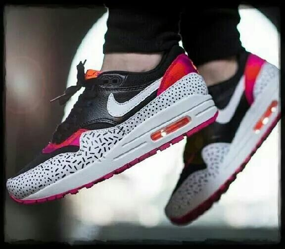 Nike Wmns Air Max 1 Impression Noir / Blanc-fireberry