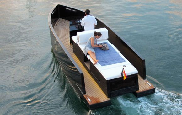 The De Antonio D23 Yachts are designed by Ubica. Each yacht is only 7 meters long and is equipped with a hidden outboard motor. The hull and deck are made from glass fiber and polyester resin. The small-sized yacht is particularly suitable for sweet couples.: