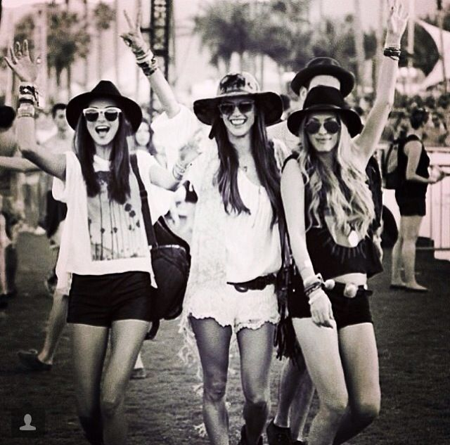 black / white / summer / hat / sunglasses / casual
