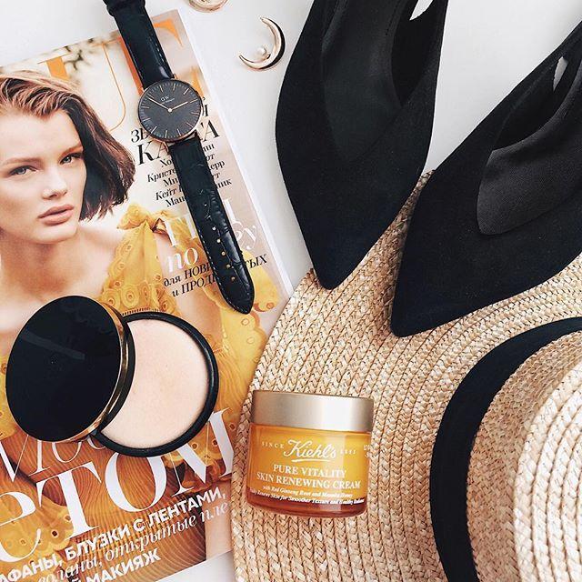 Утро начинается с ухода за кожей ♀️Герой сегодняшнего обзора - новый крем «Pure Vitality» от @kiehlsrussia  После нанесения кожа становится упругой и напитанной. Как заявляет сам бренд, обновляется. Более здоровый вид и,к тому же, сладкий запах мёда и женьшеня То,что мне нужно этой весной ✨ #misvemir_beauty #kiehlsrussia