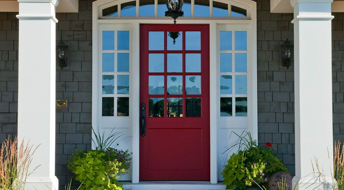 Benjamin Moore S Pomegranate Af 295 Paint Color On This Front Door Creates A First Impression