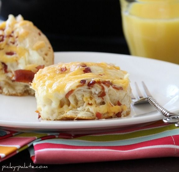 Easy Cheesy Bacon Biscuit Pull-Aparts  uses canned biscuits