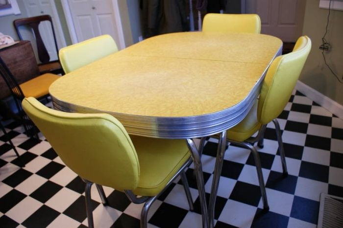 love those arborite table sets love those 1950 u0027s arborite table sets   way back memory      rh   pinterest com