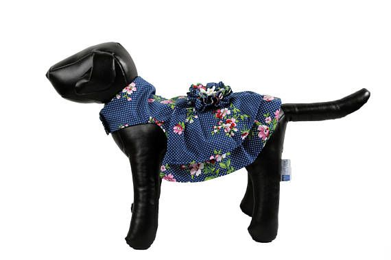 Made out of cotton fabric -Velcro closing around neck and girth -D Ring for leash attachment -Ready to ship Fits: Neck:10-12 Inches Girth: 14-16 Inches Length: 10 Inches If you like a design and is not available in your dog size, let me know. -Some dresses may be shipped in