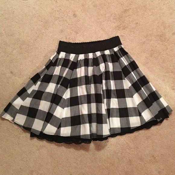 Wet seal plaid skirt Size XS great condition. Lace detailing at the bottom of the underskirt Wet Seal Skirts Mini