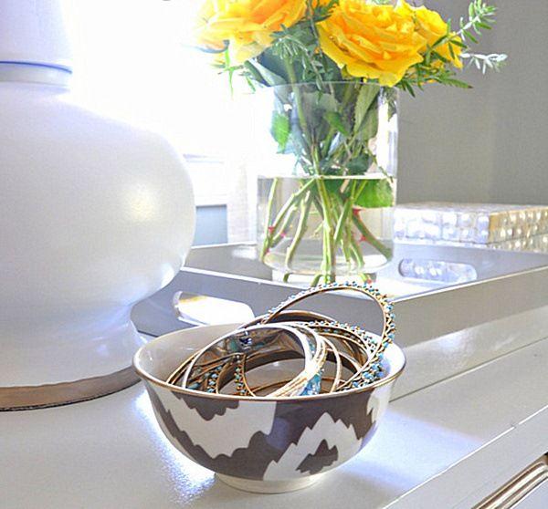 Bol ethnique motif Ikat pour ranger les bracelets  http://www.homelisty.com/rangement-bijoux/