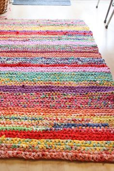 This Rug Is Made Out Of Old T Shirts Gorgeous I Really Crochet Rag Rugscrochet Shirtsdiy