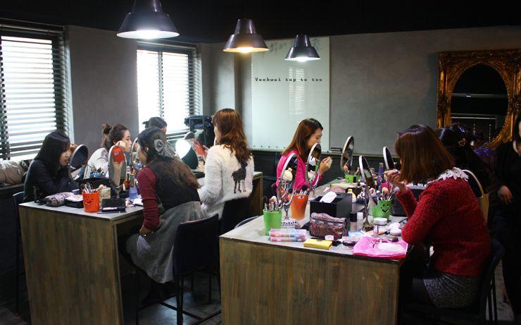 #makeup #makeupclass #selfmakeup #charmingmakeup #yoohwaitoptotoe 유화이 탑투토 뷰티 아카데미(Yoo hwai top to toe) 34기 11월 J클래스 입니다^^