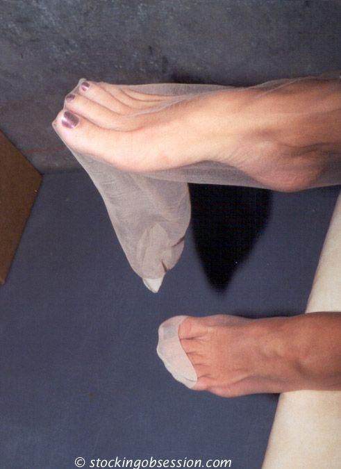 feet Pantyhose toes nylons legs