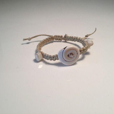 Hemp and shell bracelet!  Handmade from undyed hemp; decorated with lovely seashells.