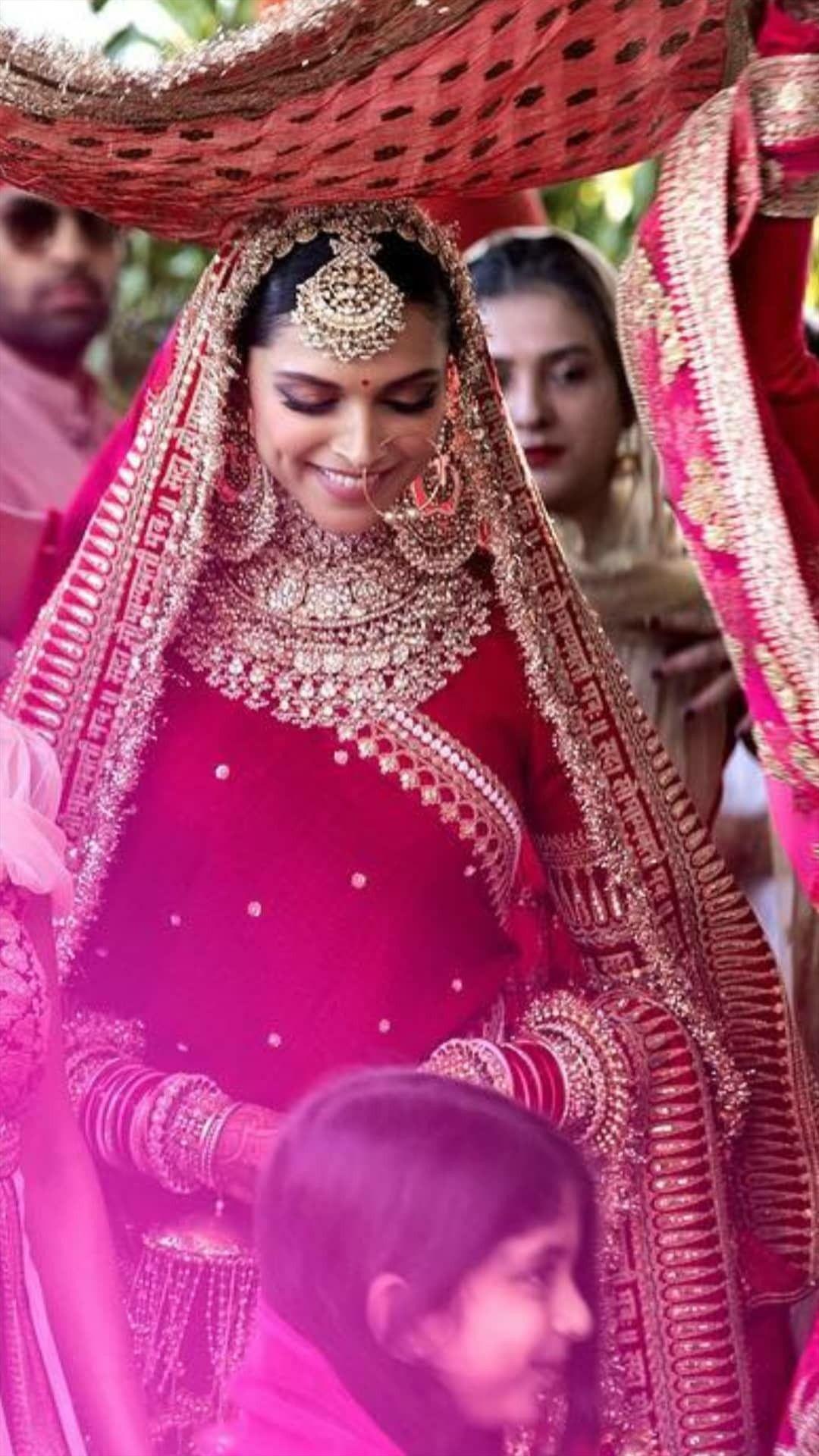 Wedding Ptgy Sabyasachi Lehenga Bridal Sabyasachi Bridal Indian Bridal Dress