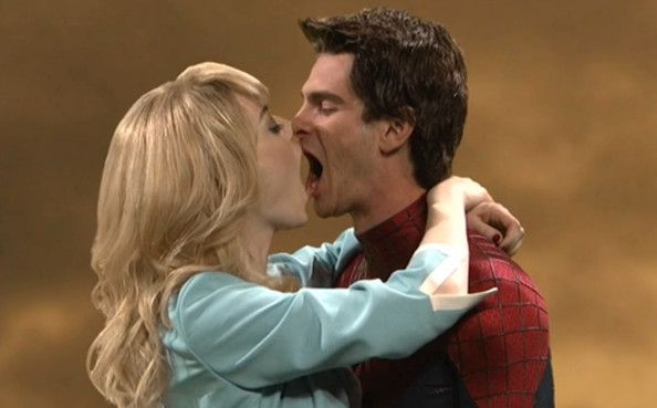7 Awesomely Awkward Shots Of Emma Stone And Andrew Garfield