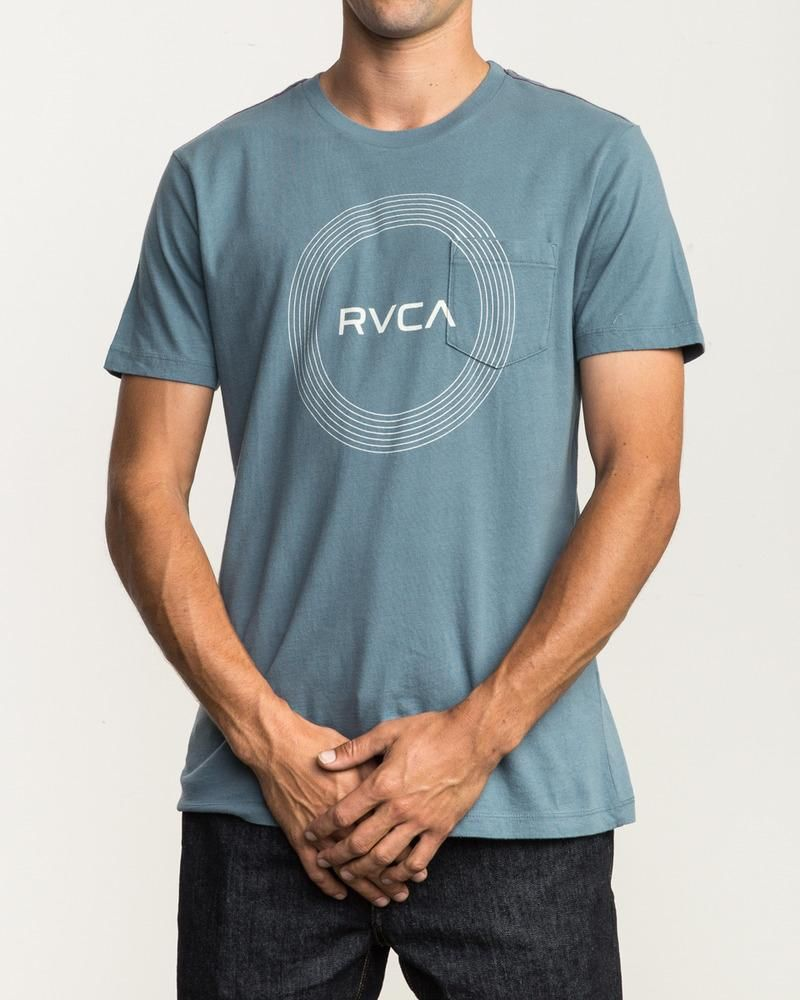 7a53f64c925e77 #RVCA #Compass #Tee - Taking the middle ground between custom and classic,