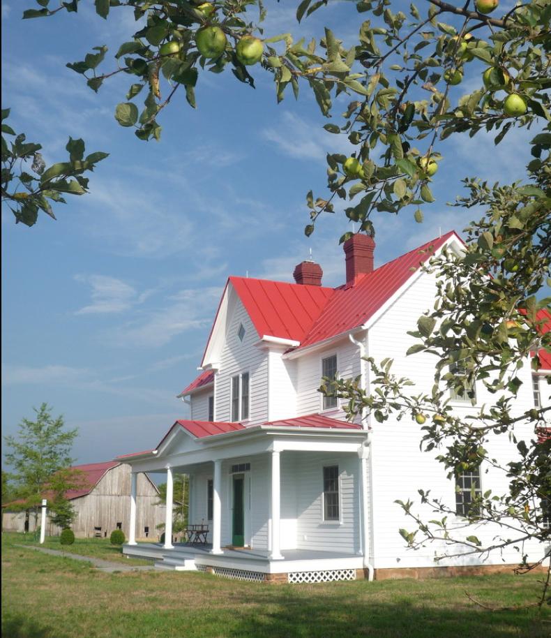 Modern House Red Roof: Farmhouse Exterior, Old Farm Houses