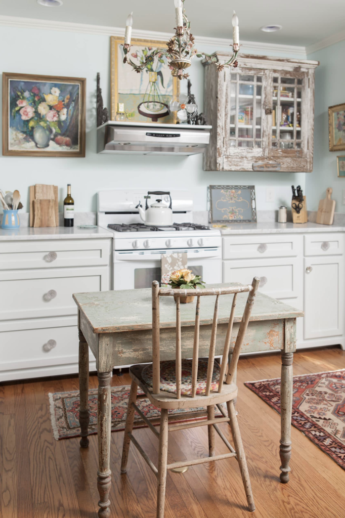 The Most Beautiful Blue Paint Colors: Interior Design Inspiration | These paint colors from Benjamin Moore and Sherwin-Williams are perfect for creating a relaxing, tranquil environment. You can't go wrong with the color blue when it comes to decorating your home.
