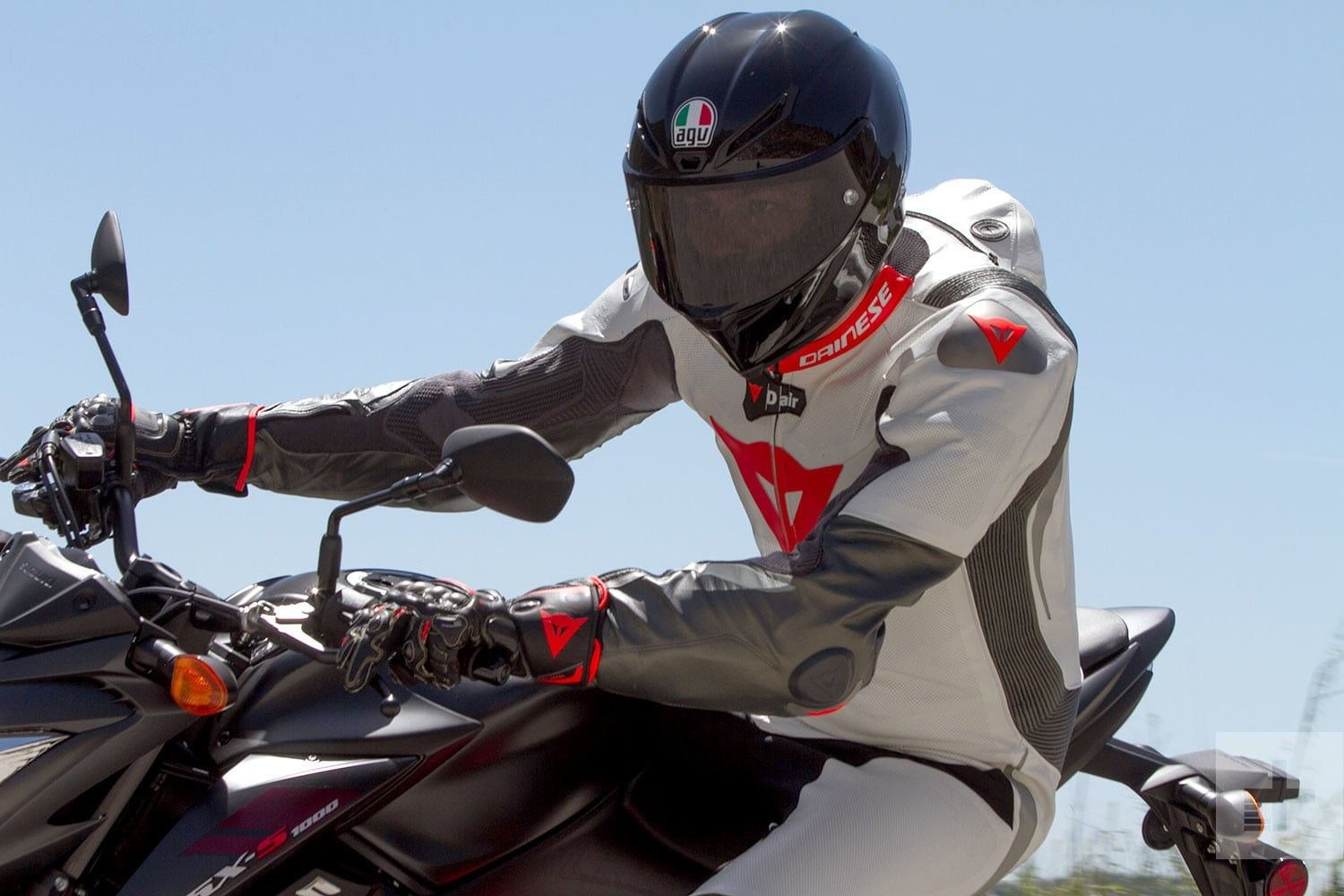 Photo of Motorcycle One Piece Suits – Why They Matter and What to Look For
