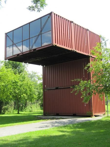 kunstlab orbino - unit 1 - cantilevered cargo shipping container