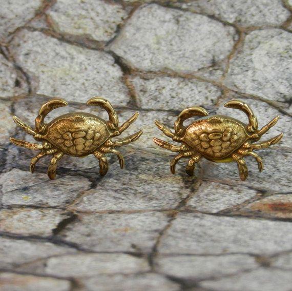 Crab cufflinks Maryland Beach  Cufflinks Men's by MyLimoIsWaiting, $18.00