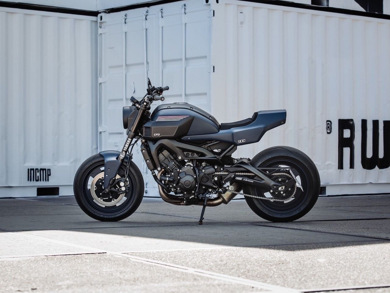 Jvb Moto Cp3 A Futuristic Yet Retro Yamaha Xsr900 Custom Motorcycle In 2020 Yamaha Xsr900 Retro Motorcycle Adventure Motorcycle Gear