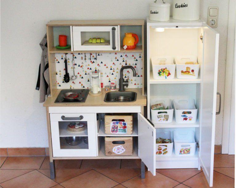 ikea kinderk hlschrank selber bauen passend zur duktig. Black Bedroom Furniture Sets. Home Design Ideas