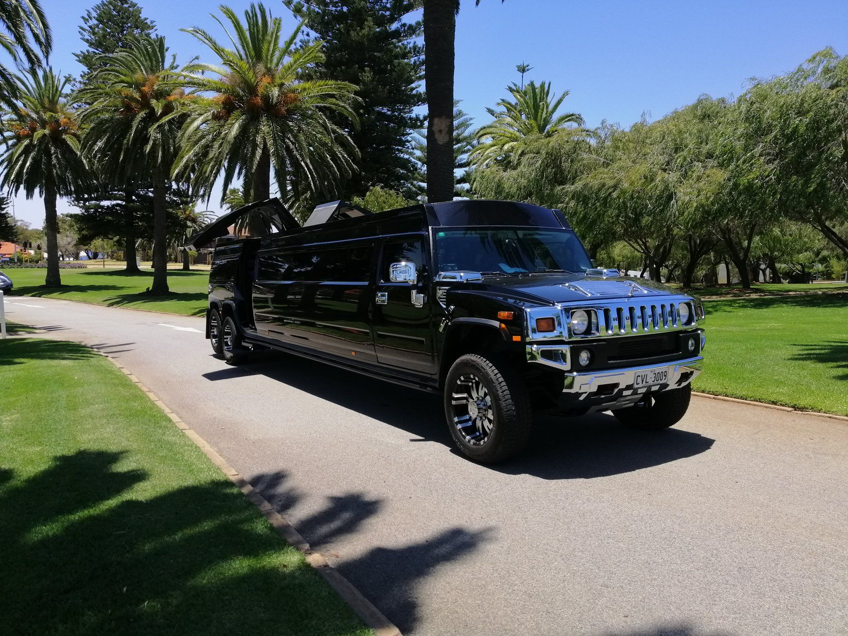 Black Hummer limo hire Perth. When arriving in style is a ... | black hummer limo hire