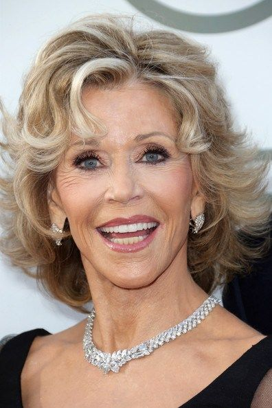 30 best jane fonda hairstyles cheveux. Black Bedroom Furniture Sets. Home Design Ideas