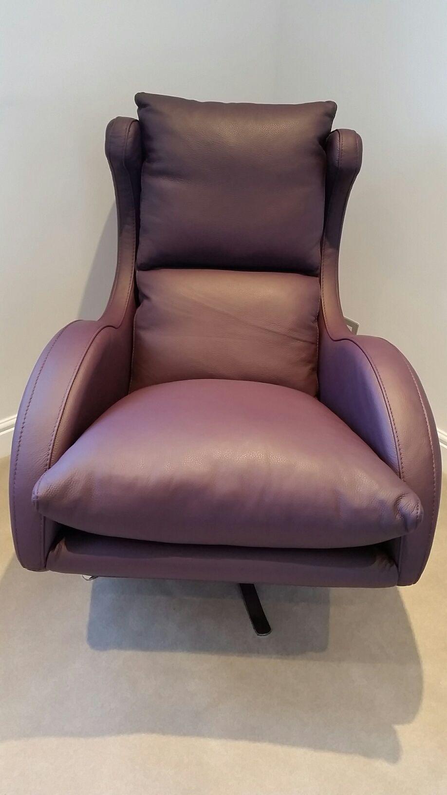 Leather (Cirevo   Berenjena) Contemporary Swivel Armchair.
