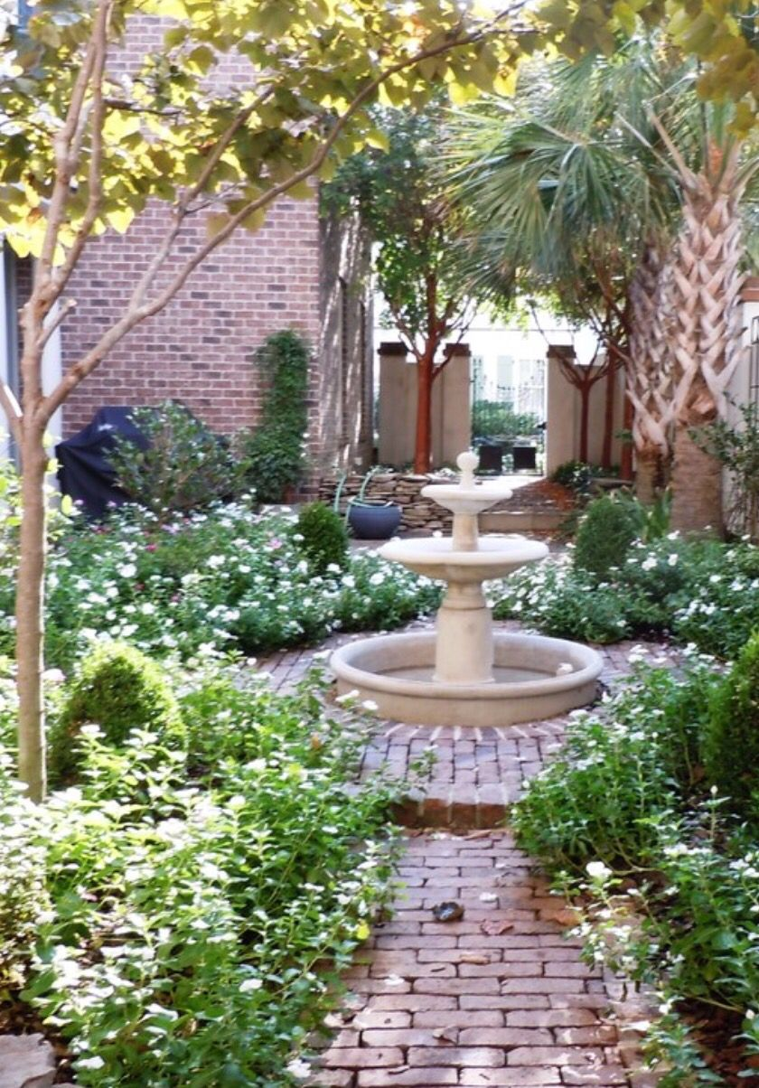 Charleston courtyard | Charleston gardens, Garden ...