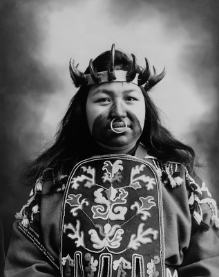 Thlinget Native woman in full Potlatch dancing costume, 1906, Case draper photogrpaher | Early Pictures