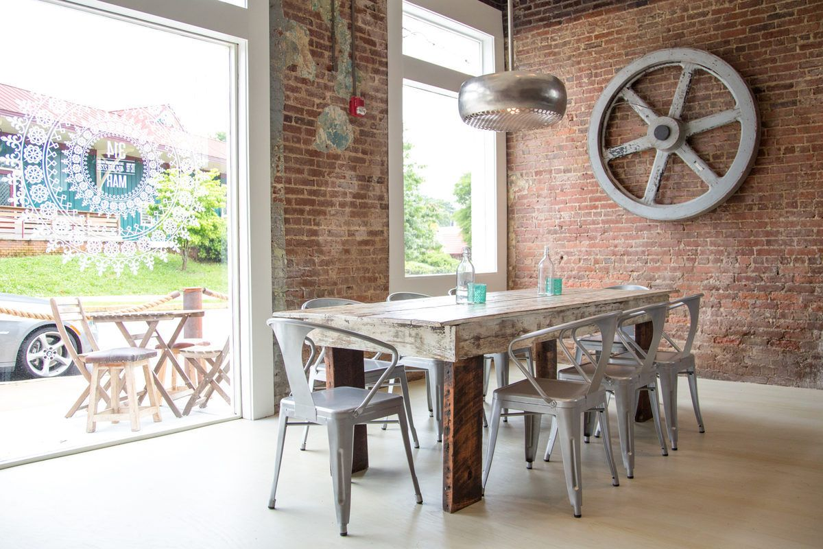 farm table with metal chairs restaurant ideasrestaurant - Farmhouse Restaurant Ideas