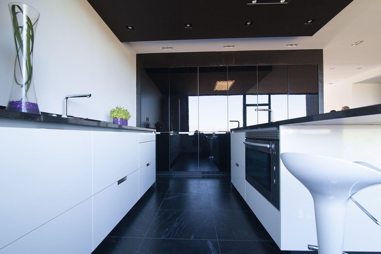 santos kitchen proyecto de cocina diseo minos que combina el blanco y el negro