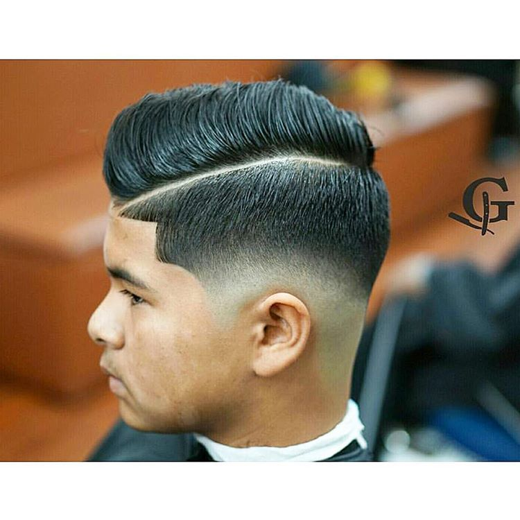 """If there's one thing I can appreciate, it's a smooth blend on a #LowFade @jg0n the transition here is SPOT ON NICE!! #OrlandoBarber…"""