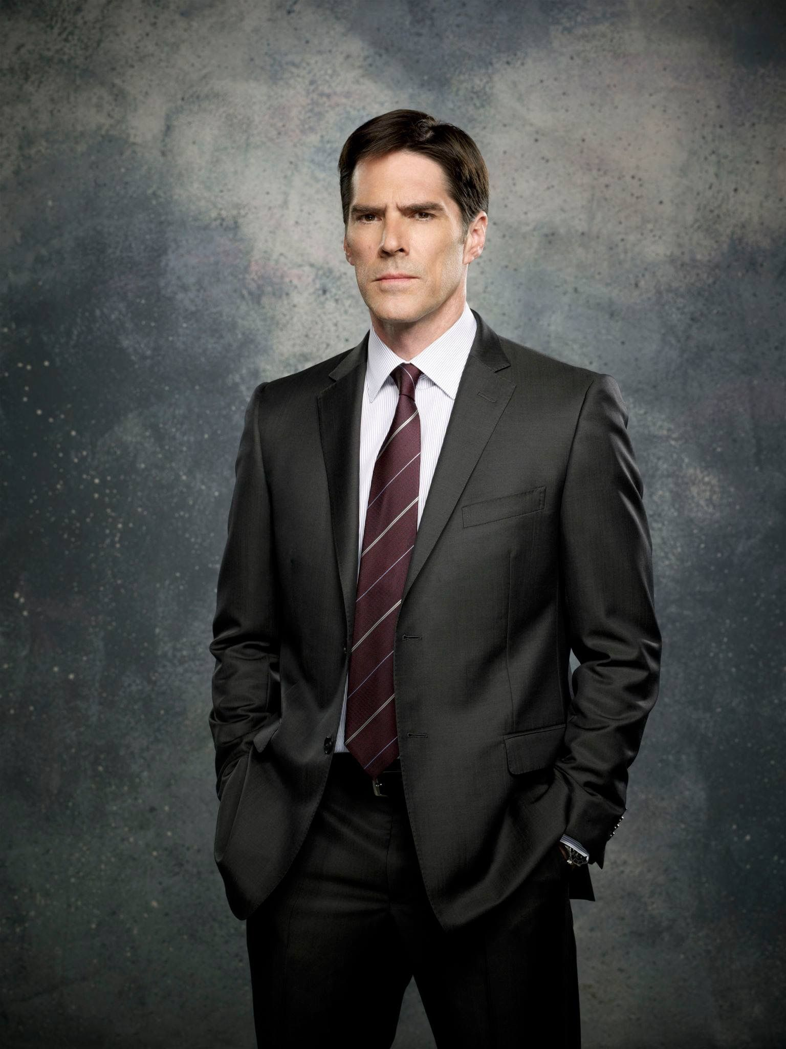 Thomas gibson as ssa aaron hotchner criminal minds also best tv favorites images in csi crime scene rh pinterest