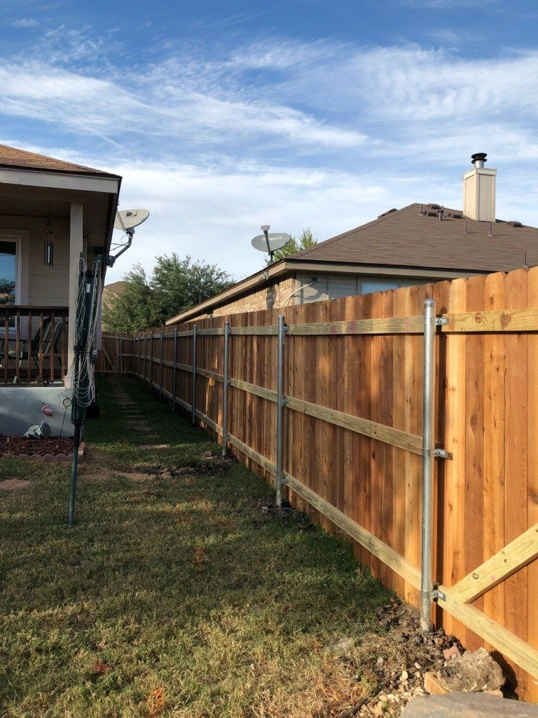 Privacy Fencing 1 X 6 Cedar W Galv Steel Posts 3 Rail Frame Residential Commercial And Fences Bring Beauty Security To Your