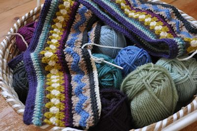 Playing in the Attic: Mixed Stitch Stripey Blanket