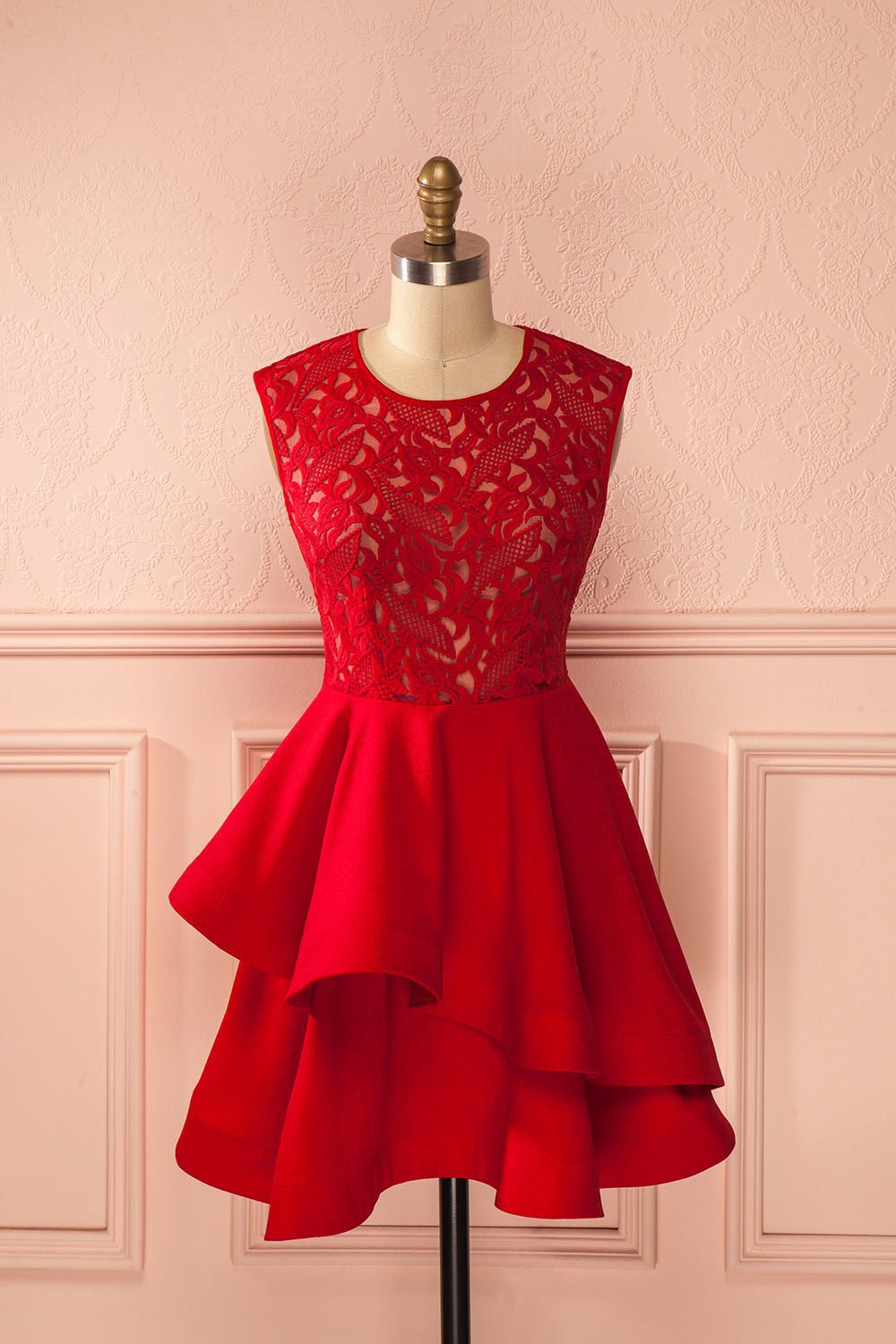 eb463543ce2 Robe trapèze rouge vif buste dentelle volants étagés asymétrique - Red  a-line asymmetric ruffle layers lace bust dress