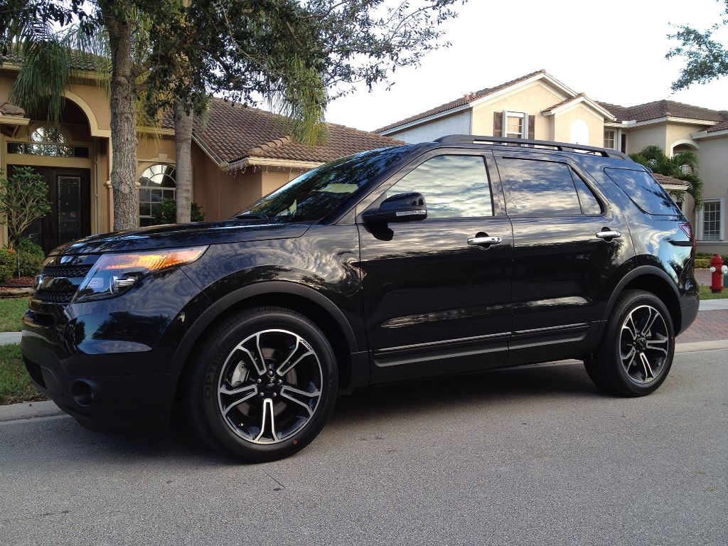 2015 Ford Explorer Platinum, black on black on black